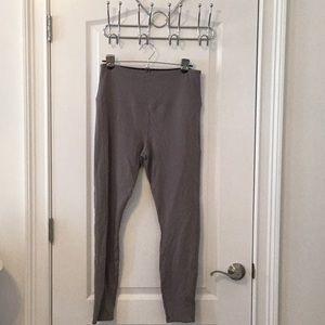 Gray Lyssè Ponte Pants - L